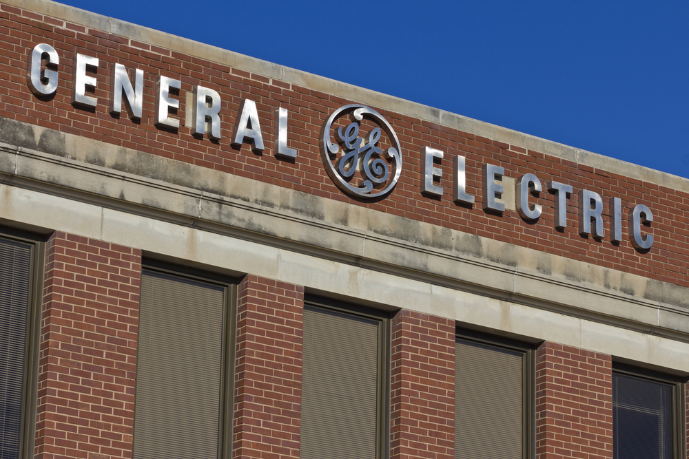 insidermonkey.com - General Electric (GE) Has Fallen 26% in Last One Year, Underperforms Market