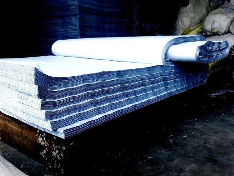paper-300118_1280