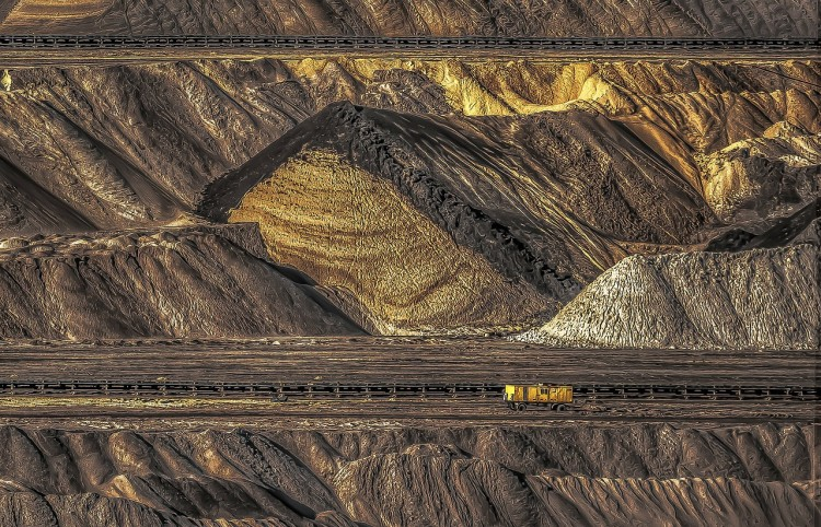 open-pit-mining-261092_1280