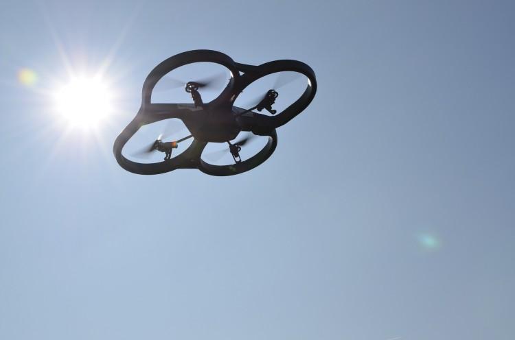drone-1237439_1920