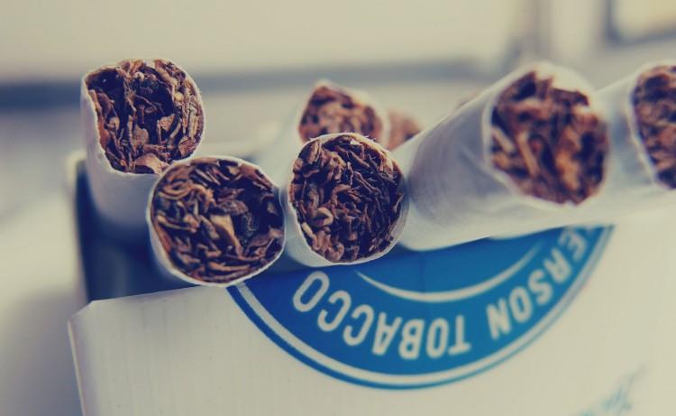 cigarettes-923183_1920