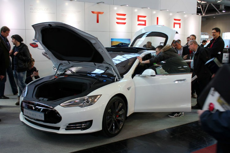 Can the rising chevy bolt dent tesla motors inc tsla for How to buy stock in tesla motors