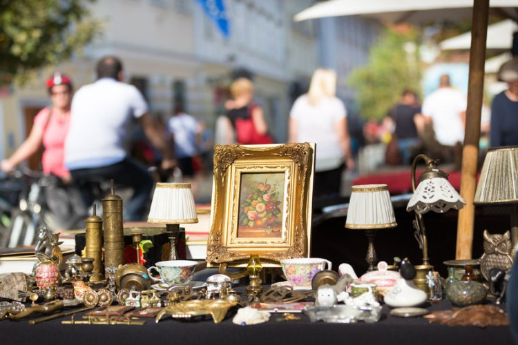 11 Best Selling Products At Flea Markets