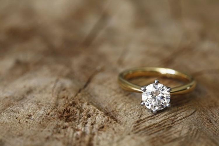 background, band, brilliant, cut, design, diamond, engagement, expensive, gemstone, gold, ideal, organic, precious, ring, rock, round, shine, simple, wedding, wood