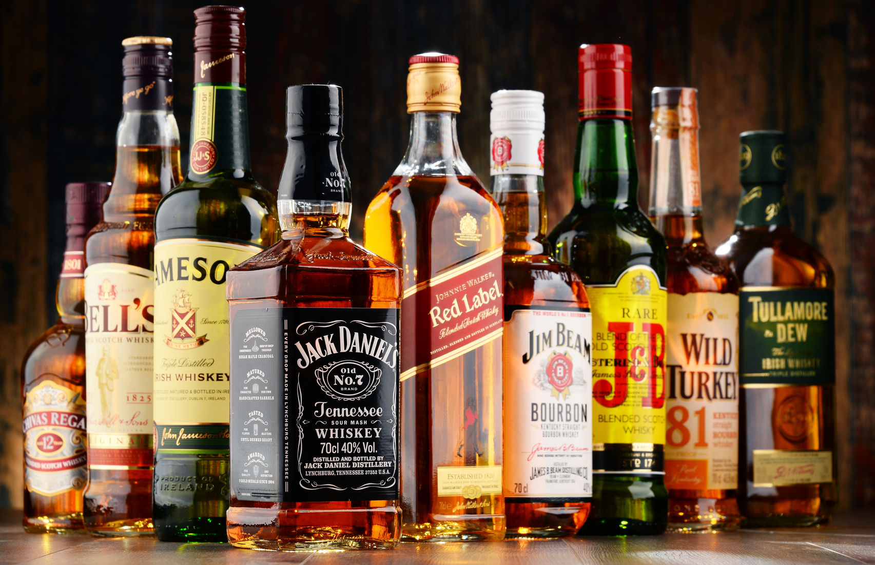 I've always (since I began drinking scotch) had a lively lack of respect for the Johnnie Walker line of blended scotch from Diageo. It represents to me the wrong end of the spectrum between artisanal, hand-crafted, small-batch spirits and factory mass-produced, lowest-bidder, penny-squeezing corporate swill.