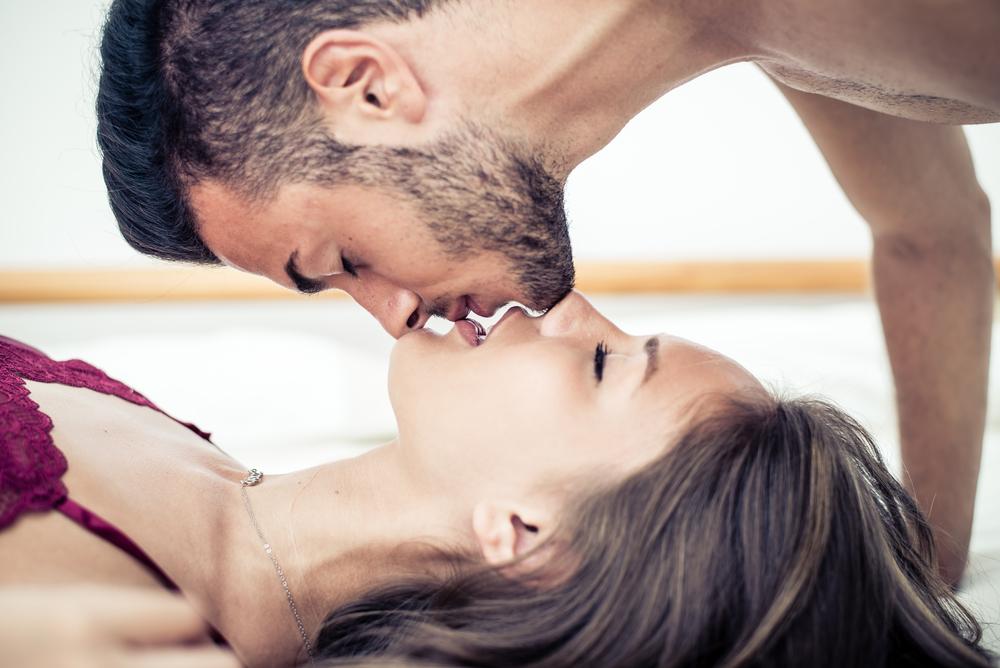 меня жену целуют вдвоем оказался сделанным заказу