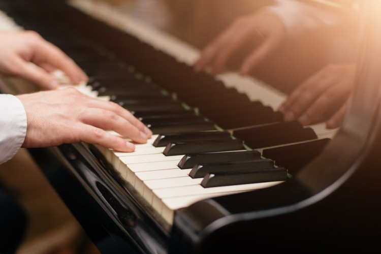 10 Easy but Beautiful Piano Pieces that Sound Impressive