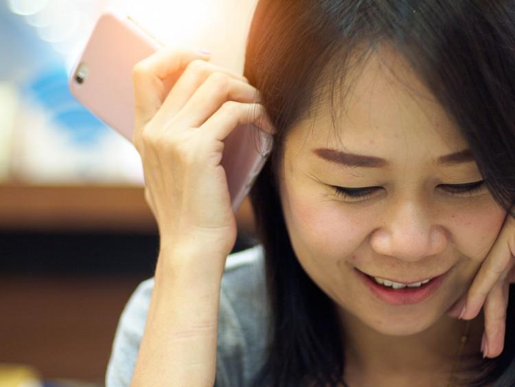 7 Best Smartphones With Front Facing Speakers