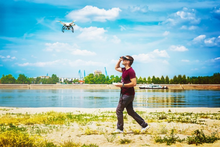 10 Easiest FPV Drones To Fly
