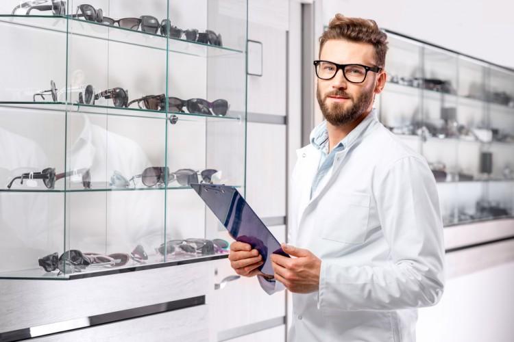 RossHelen/Shutterstock.com