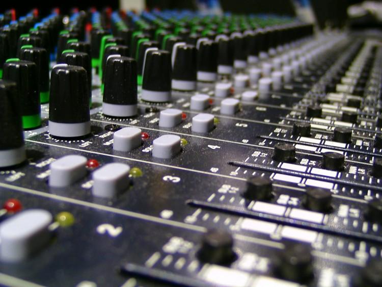 10 Best Freelance Websites for Musicians