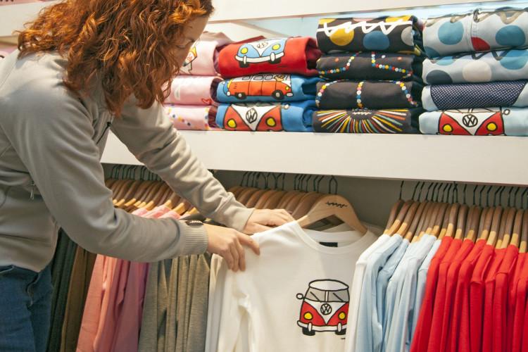 11 Best T-Shirt Design Websites